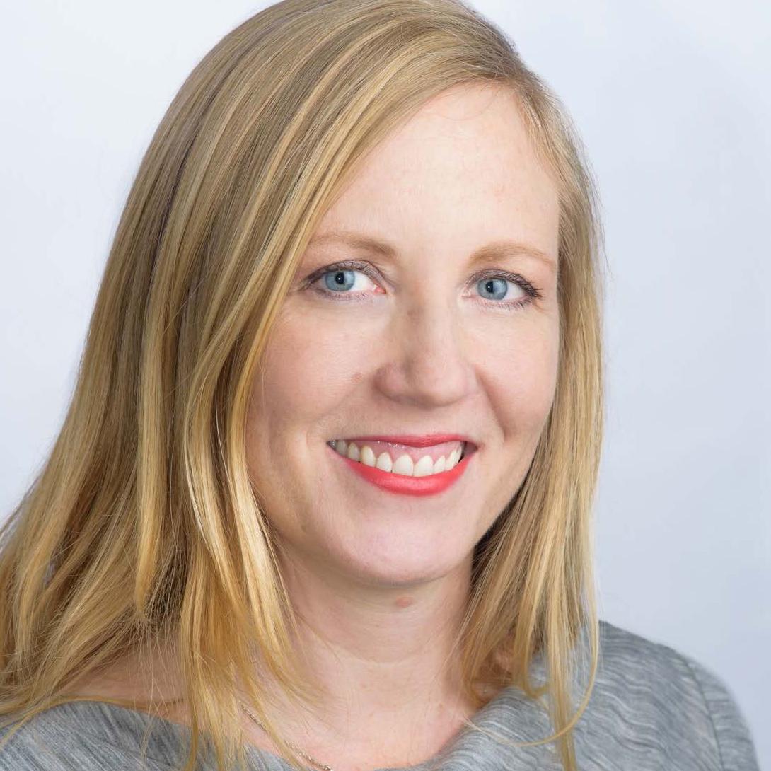 Naomi Veak Headshot